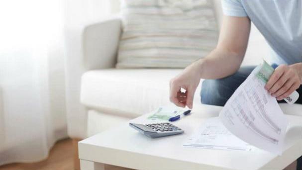 где взять денег в долг срочно под расписку у простых людей